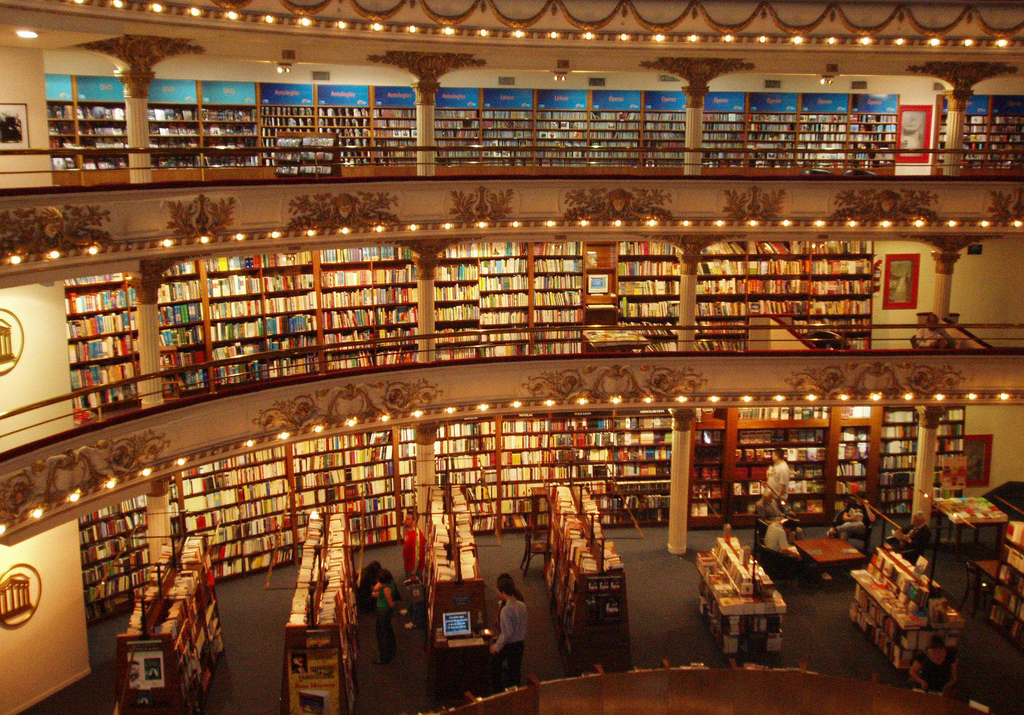 Remarkable 10 Amazing Pictures Of Libraries Interesting Literature Largest Home Design Picture Inspirations Pitcheantrous